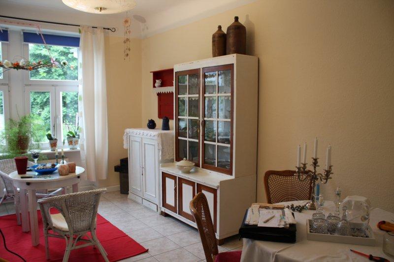 neueinrichtung von schlaf ess und wohnzimmer. Black Bedroom Furniture Sets. Home Design Ideas